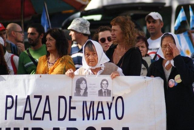 plaza_de_mayo_suruc